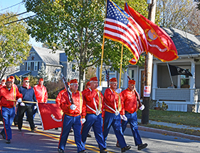 Hundreds turn out for Veterans Day parade despite cold